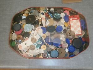 Biscuit Tin Of Vintage Assorted Buttons - Some On Cards