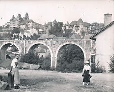 UZERCHE c. 1950 - La Village Le Viaduc de la Ligne du POC Corrèze - DIV 5162