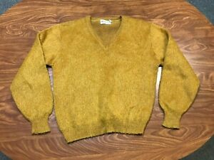 MENS VTG 60'S LIGHTLY WORN ROB SCOT GOLD LABEL BUTTERSCOTH MOHAIR SWEATER SMALL