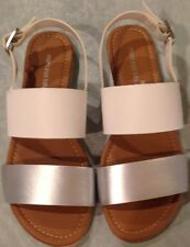 Sandals ladies size 7.5M EUR 39.5 silver white buckle Montego Bay Club