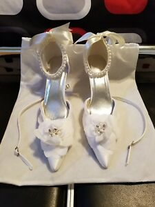 BRAND NEW Women's Satin Kitten Heels Closed Toe Bridal or Formal Occasion Shoes
