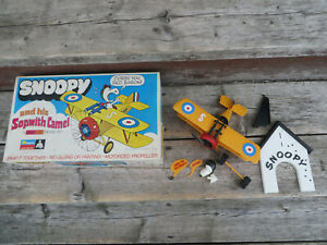 Vintage 1970 Monogram Snap Tite Model Kit Peanuts Snoopy and his Sopwith Camel