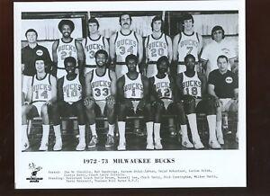 1972/1973 NBA Basketball Milwaukee Bucks Team 8 X 10 Photo