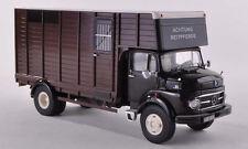 Mercedes LP911 Horse Boxes Trailer Truck 1:43 Model PREMIUM CLASSIXXS