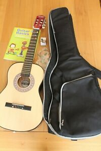 3rd Avenue 3/4 Size Classical Guitar Stagg Bag, Strings, Tuner, Basics Book