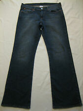 Lucky Brand low RISE FLARE, REG LENGTH BLUE Jeans, cotton blend SIZE 30 (35x32)