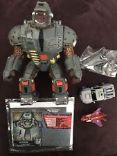 Botcon 2015 Transformers Cybertron Most Wanted Oilmaster Pretender New