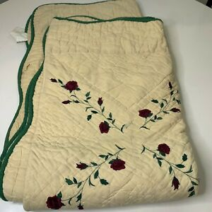 Lily Dolly's throw quilt blanket cream green trim red roses scalloped edge