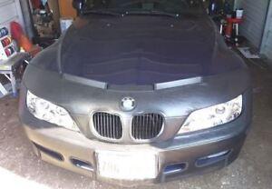 Colgan Front End Mask Bra 2pc. Fits BMW Z3, 1.9 Roadster 1996-1998  W/Lic. Plate
