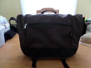 Eddie Bauer Padded Laptop Messenger Organizer Bag