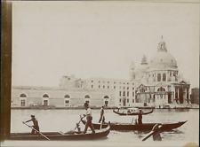 Italie, Venise, Basilique Santa Maria della Salute et les gondoles, ca.1905, vin