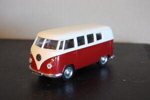 Vintage Welly No. 9764 Red & White Volkswagen Microbus 1962 -- Missing Door