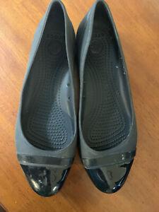 Crocs Black Rubber Womens Size 11 Shiny Cap Toe Flats Synthetic Slide On Comfort