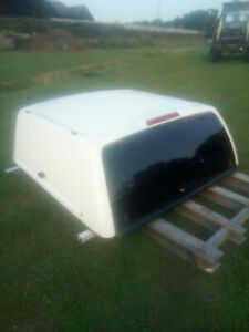 toyota hilux carryboy truck top, canopy (3 door with keys)