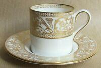 WEDGWOOD GOLD FLORENTINE W4219 DEMITASSE / COFFEE CUPS & SAUCERS (Ref5945)