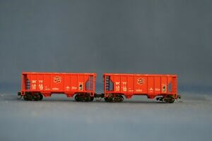 Z SCALE MICRO-TRAINS PS-2 70 TON COVERED HOPPERS (2) MKT #BKTY1308 & 1311 - USED