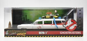 Hollywood Rides - Ghostbusters - ECTO-1 1:24 Scale Figure & Vehicle