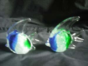 PAIR PRETTY GLASS ANGEL FISH ORNAMENTS PAPERWEIGHTS BLUE GREEN WHITE COLLECTABLE