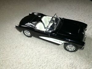 1/24 Scale Die cast - Chevrolet Corvette  (1957) PLAYED WITH condition