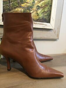 Stuart Weitzman Brown Leather Pointy Toe Zip Ankle Boot With Heel Sz 8
