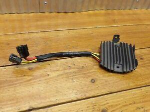 01-06 Triumph Tigre 955i Voltaje Regulador Rectificador T1304040