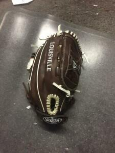 "Louisville Slugger FGXPBN5 Xeno Pro Brown Fielding Glove, 12"", Right Hand"