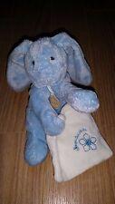 Doudou et compagnie Mon doudou lapin bleu mouchoir blanc fleur brodée