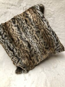Faux Fur Cushion Covers   Set Of 2. Leopard Covers 18  By  18 Inches.