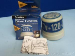 INTERMATIC LC4536LAC 120/277 VOLTS 50/60 HERTZ LOCKING-TYPE PHOTO CONTROL, NIB *