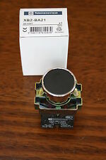 Bouton poussoir noir -Télémécanique NEUF (Nf)  XB2-BA21