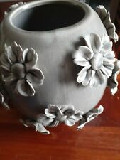 Large grey pottery vase/pot with 18 beautiful applied daisies