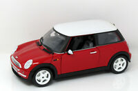 Modell 1:18 Mini Cooper rot mit weissem Dach   BBurago in OVP