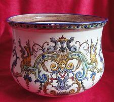 Ancien cache pot en faïence de GIEN décor Renaissance