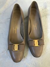 Vintage Womens Salvatore Ferragamo Vara Heels