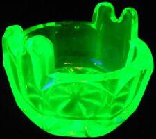 Green Vaseline Uranium glass tub pattern salt dip cellar celt yellow spoon rest