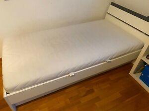 Bett inklusive Matratze, Bettkasten und Lattenrost 100x200