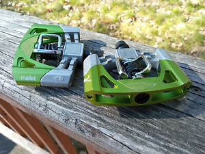 Crank Brothers Mallet 2 -Ridden Once- Platform Mountain Bike Pedals, Raw/Green