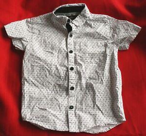 River Island boys short sleeved shirt - age 5 years
