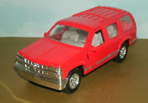 1/32 Scale 1996 Chevy Tahoe 1500 Diecast Model SUV (GMT420) TootsieToy Red