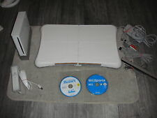 CONSOLE NINTENDO WII  COMPLETE + WII BALANCE BOARD + 2 JEUX OFFERTS WII SPORTS