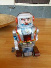 Robot Latta Noguchi Japan Tin Astronaut Windup Toy