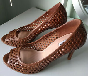 Gorgeous pair of tan Dune shoes, size Size 8/41