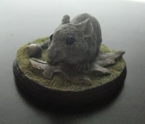Cute Small J King Cast Resin Mouse with Acorn Figurine