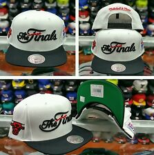 """Exclusive Mitchell & Ness NBA Chicagp Bulls 1993 """"The Finals"""" snapback"""