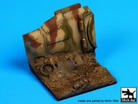 Black Dog 1/35 Destroyed Sd.Kfz.250 Section Diorama Base (70mm x 70mm) D35041