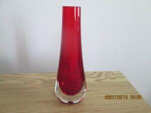 Retro Whitefriars Glas  Ruby Red Tear Drop Vase Geoffrey Baxter.8 Inch Perfect