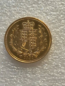 2002 SHIELD BACK UNCIRCULATED 22CT GOLD HALF Sovereign