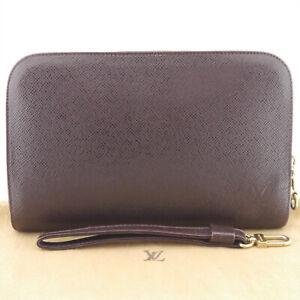 Authentic LOUIS VUITTON Taiga Baikal Clutch Purple Leather M30186 #f45517