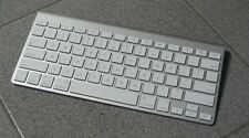 Apple Magic Keyboard A1314 Wireless Bluetooth USA - Replaceable Battery Version