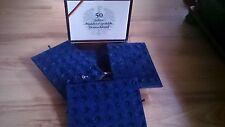 Stabile  Münzkassette aus Kirschholz  für 150 Münzen oder  Medalie